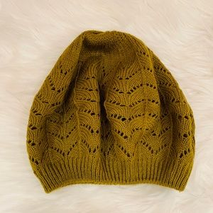 Accessories - NWOT olive green hat